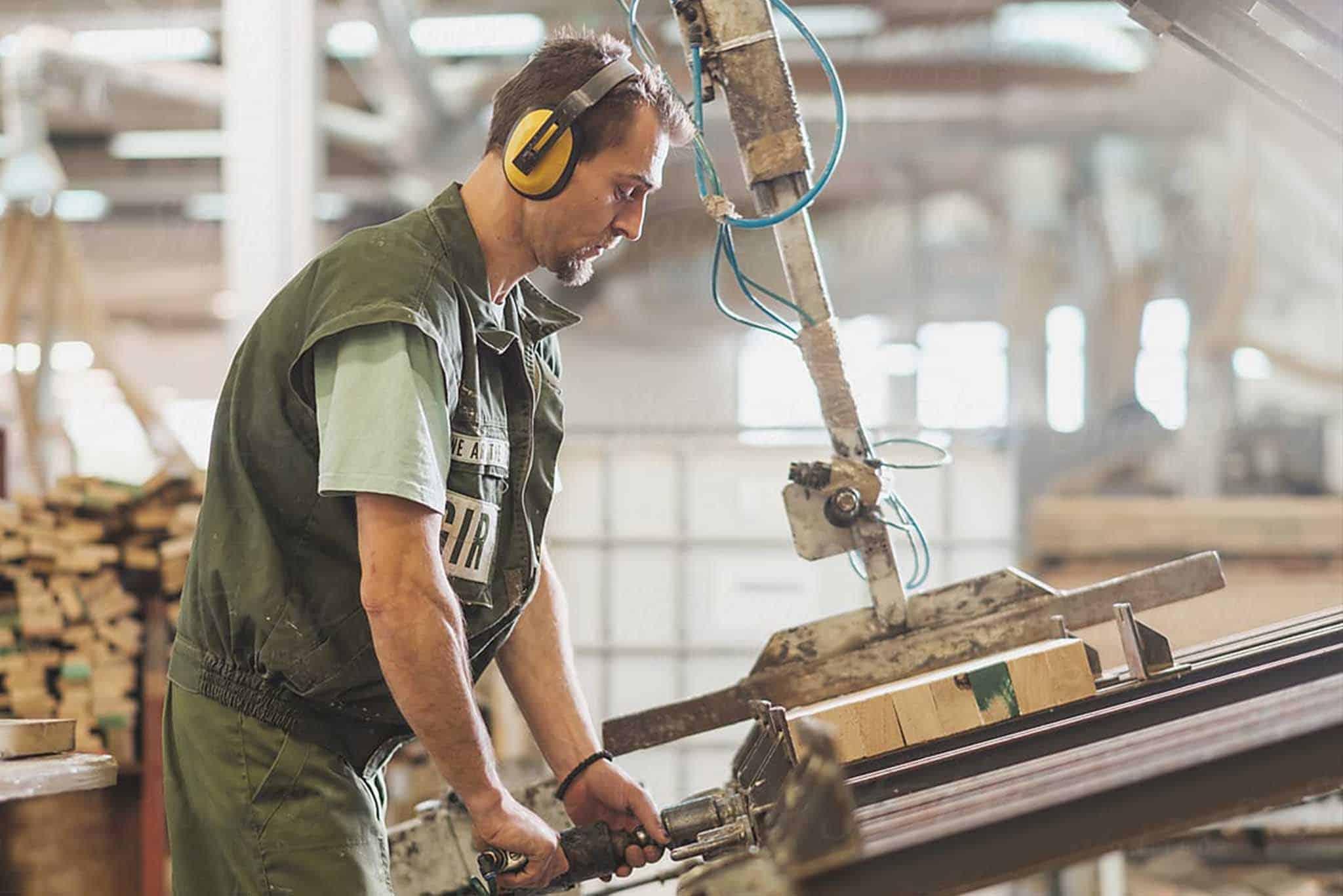 Poszukiwana osoba nafabrykę drzwi iokien drewnianych | HR KONO Outsourcing